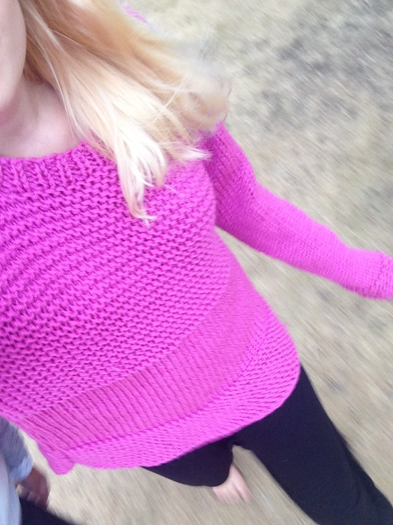 rosa stickad tröja i garn Helen från Rusta / knitted sweater in pink yarn