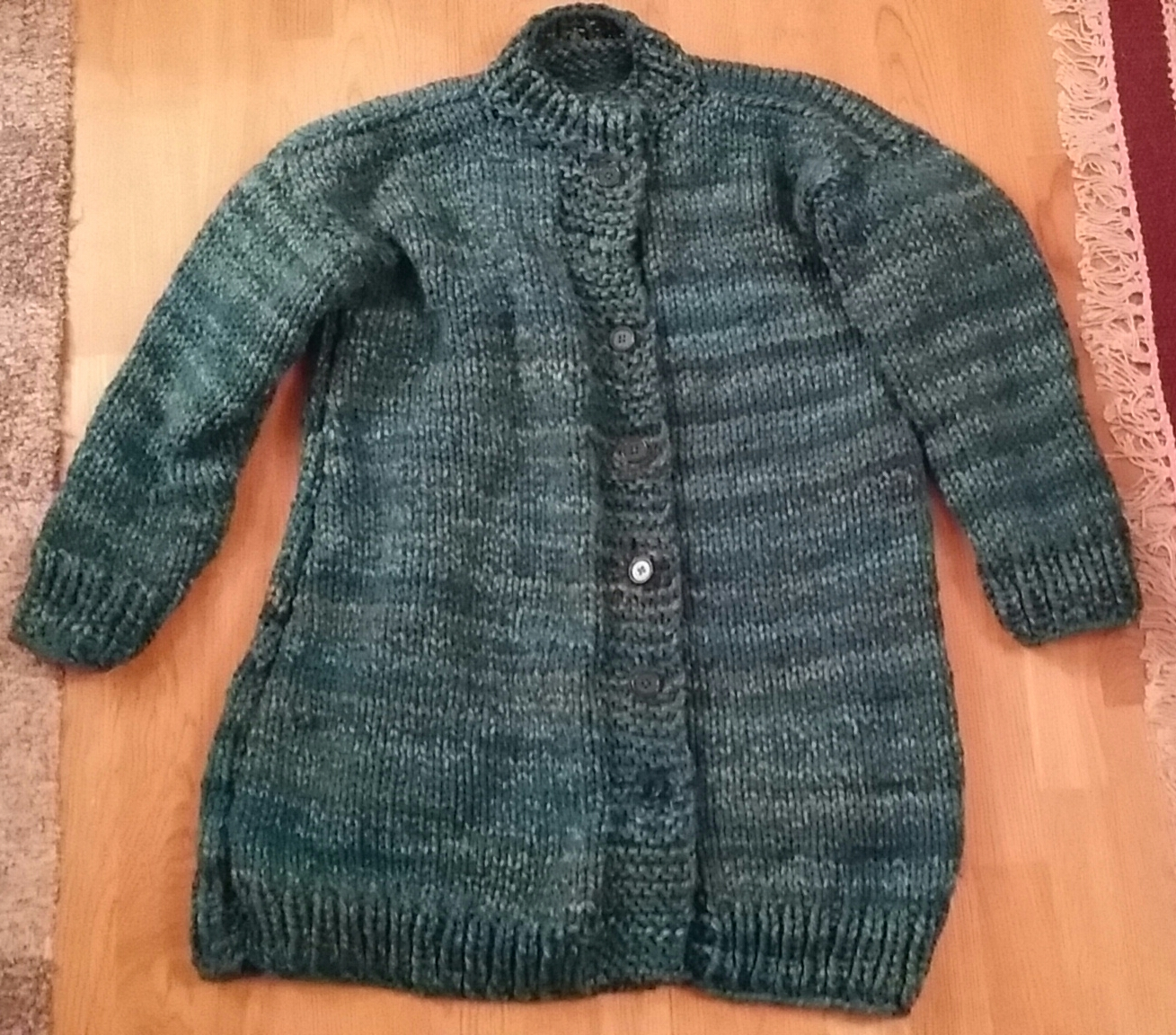 Grön kofta i green sweater superbulky garn yarn