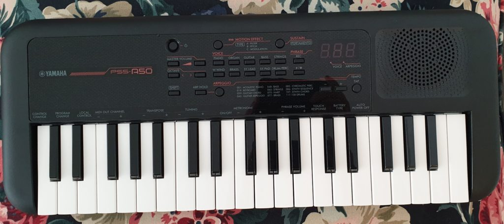 yamaha pss-a50 keyboard piano mini midi